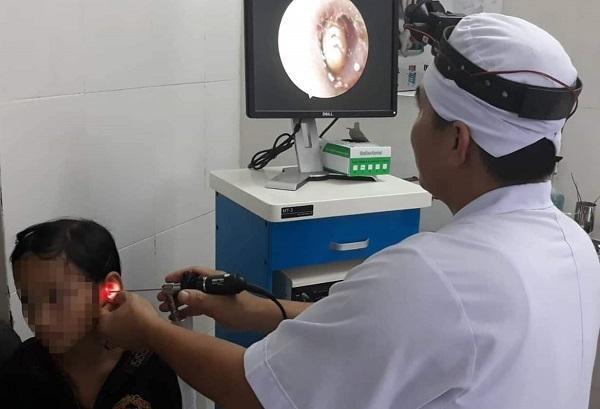 Ve chó chui vào tai bé gái 10 tuổi ở Hà Tĩnh gây đau nhức Ảnh 1