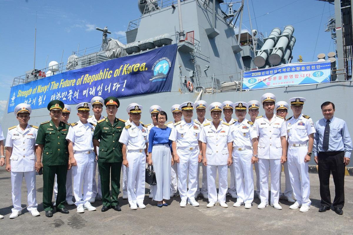 Chiến hạm Hàn Quốc cập cảng Tiên Sa Ảnh 2