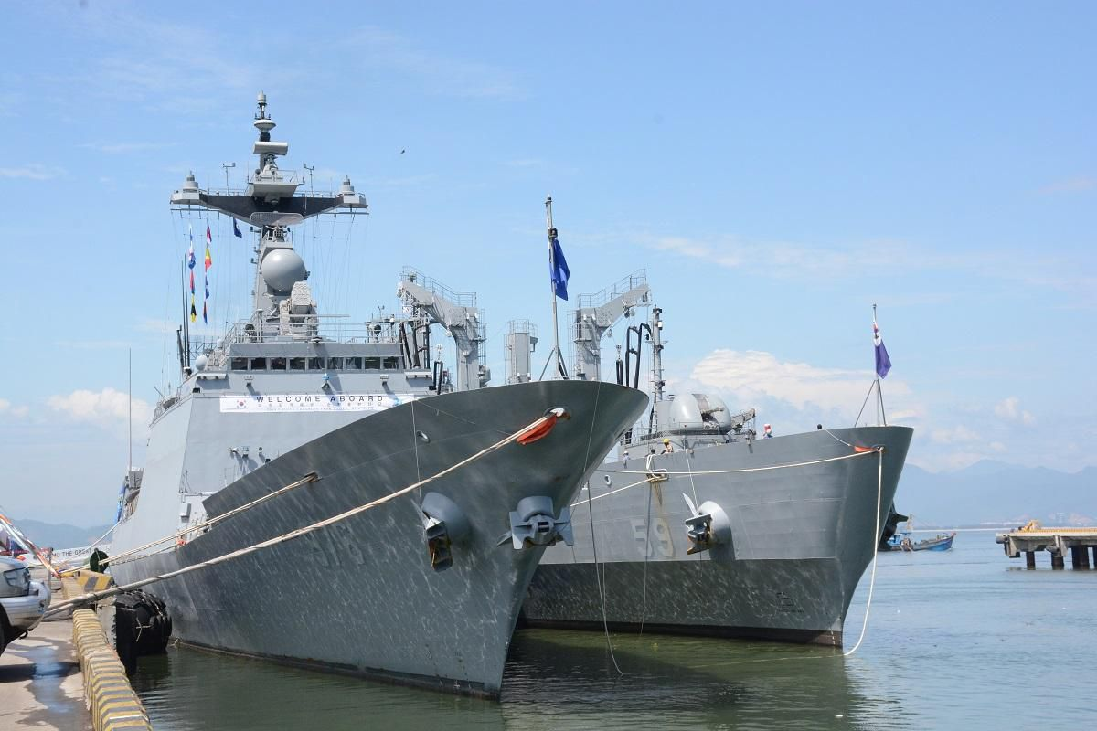Chiến hạm Hàn Quốc cập cảng Tiên Sa Ảnh 1