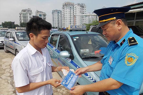 Hà Nội 'quản' taxi bằng màu sơn và phân vùng: Làm khó doanh nghiệp Ảnh 1