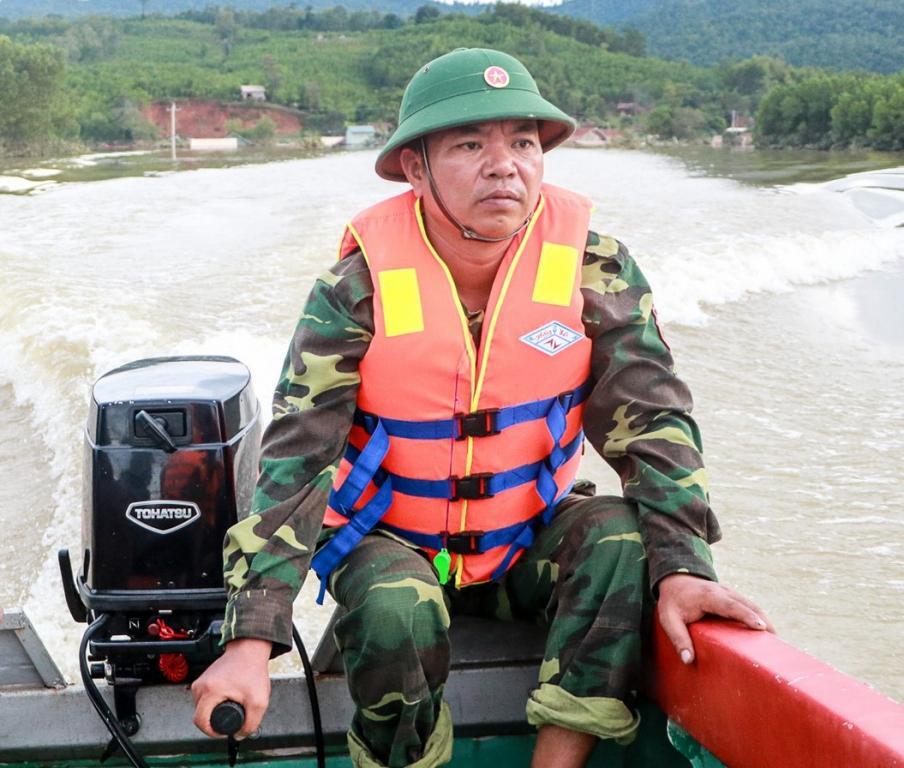 Xót xa những ngôi nhà bị ngập đến nóc ở vùng lũ Quảng Bình Ảnh 14