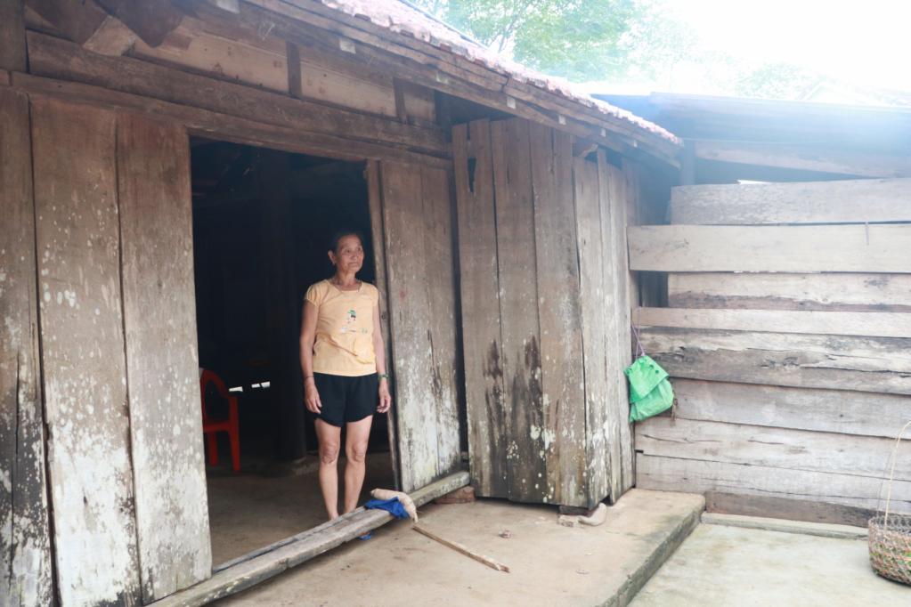 Xót xa những ngôi nhà bị ngập đến nóc ở vùng lũ Quảng Bình Ảnh 7