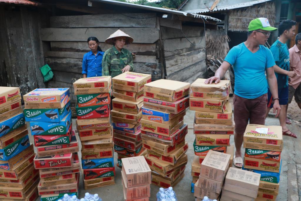 Xót xa những ngôi nhà bị ngập đến nóc ở vùng lũ Quảng Bình Ảnh 16