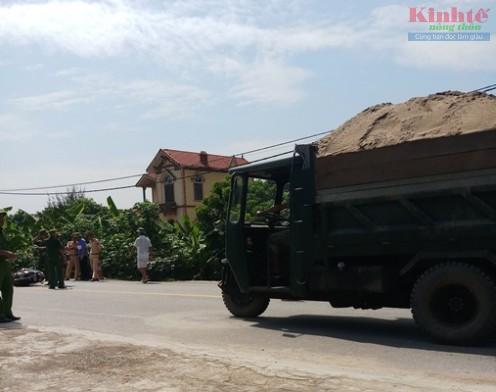 Nam Định: Xe tự chế lộng hành trên quốc lộ 21 Ảnh 3