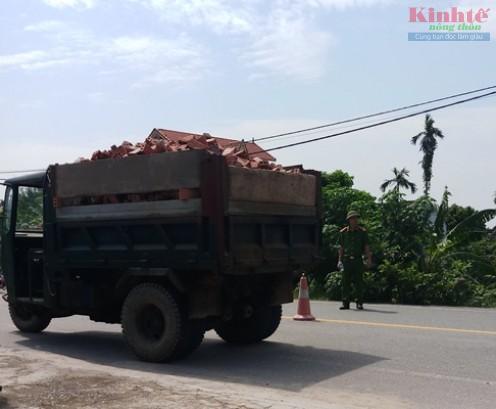 Nam Định: Xe tự chế lộng hành trên quốc lộ 21 Ảnh 6