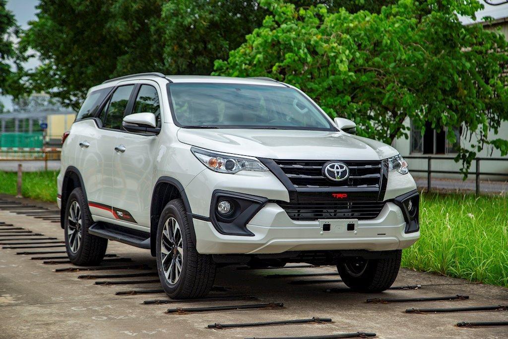 Toyota Việt Nam chốt giá Toyota Fortuner TRD 2019 Ảnh 1
