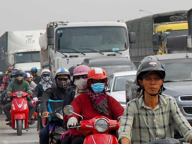Mở thêm đường giải cứu kẹt xe cảng Cát Lái Ảnh 1