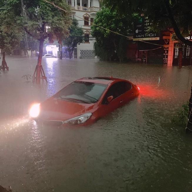 Hơn 1.000 ngôi nhà ở Thái Nguyên bị ngập sau một trận mưa Ảnh 1