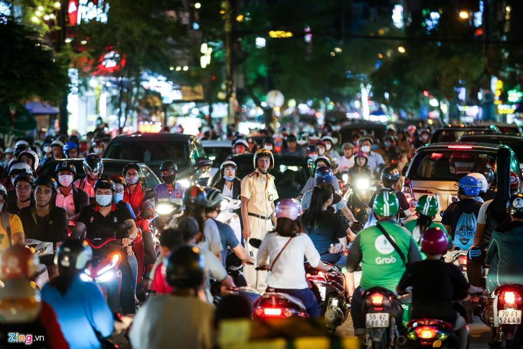 Con đường kẹt triền miên gần 20 năm ở phía đông Sài Gòn Ảnh 14