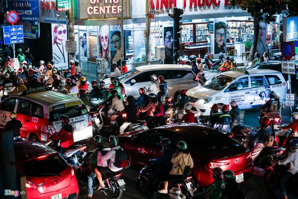Con đường kẹt triền miên gần 20 năm ở phía đông Sài Gòn Ảnh 9