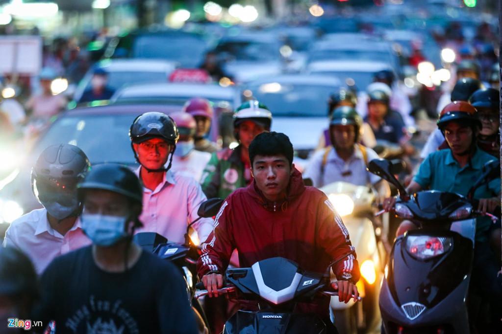 Con đường kẹt triền miên gần 20 năm ở phía đông Sài Gòn Ảnh 17