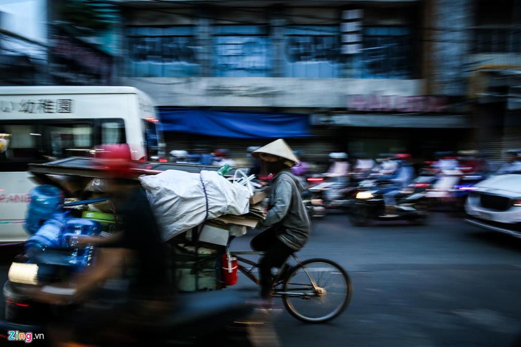 Con đường kẹt triền miên gần 20 năm ở phía đông Sài Gòn Ảnh 8