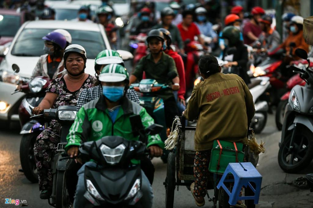 Con đường kẹt triền miên gần 20 năm ở phía đông Sài Gòn Ảnh 10