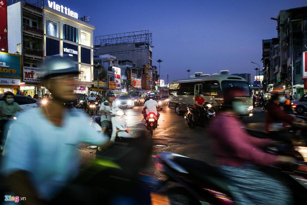 Con đường kẹt triền miên gần 20 năm ở phía đông Sài Gòn Ảnh 4