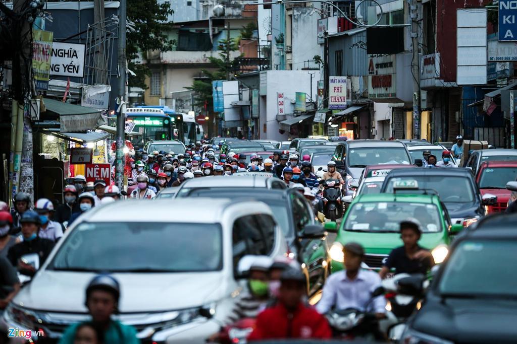 Con đường kẹt triền miên gần 20 năm ở phía đông Sài Gòn Ảnh 1