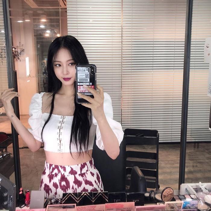 U40, Han Ye Seul vẫn khiến dân tình 'phát sốt' khi khoe vòng eo con kiến và body chuẩn như gái 20 Ảnh 6