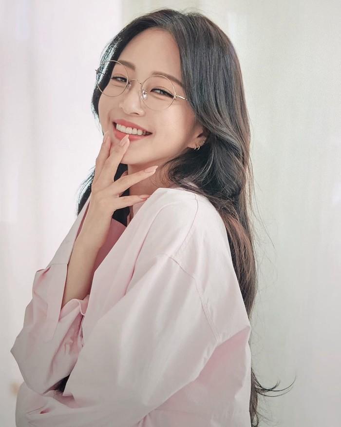 U40, Han Ye Seul vẫn khiến dân tình 'phát sốt' khi khoe vòng eo con kiến và body chuẩn như gái 20 Ảnh 4
