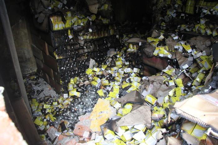 Đã vận chuyển gần 45 tấn rác thải nguy hại sau vụ cháy tại Công ty phích nước Rạng Đông Ảnh 3