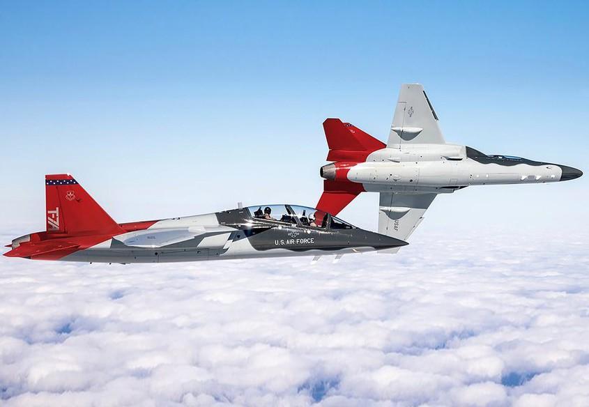 T-7 Red Hawk - trường dạy bay trên không cho phi công chiến đấu cơ F-22 và F-35 Mỹ Ảnh 12