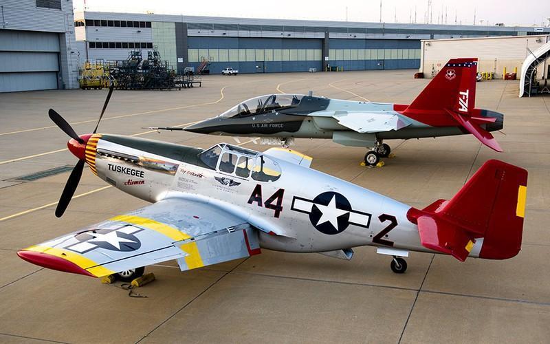 T-7 Red Hawk - trường dạy bay trên không cho phi công chiến đấu cơ F-22 và F-35 Mỹ Ảnh 13