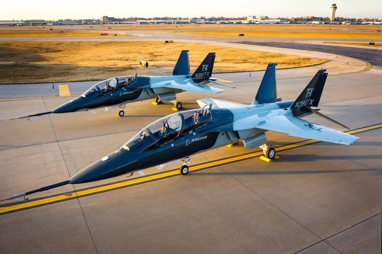 T-7 Red Hawk - trường dạy bay trên không cho phi công chiến đấu cơ F-22 và F-35 Mỹ Ảnh 15