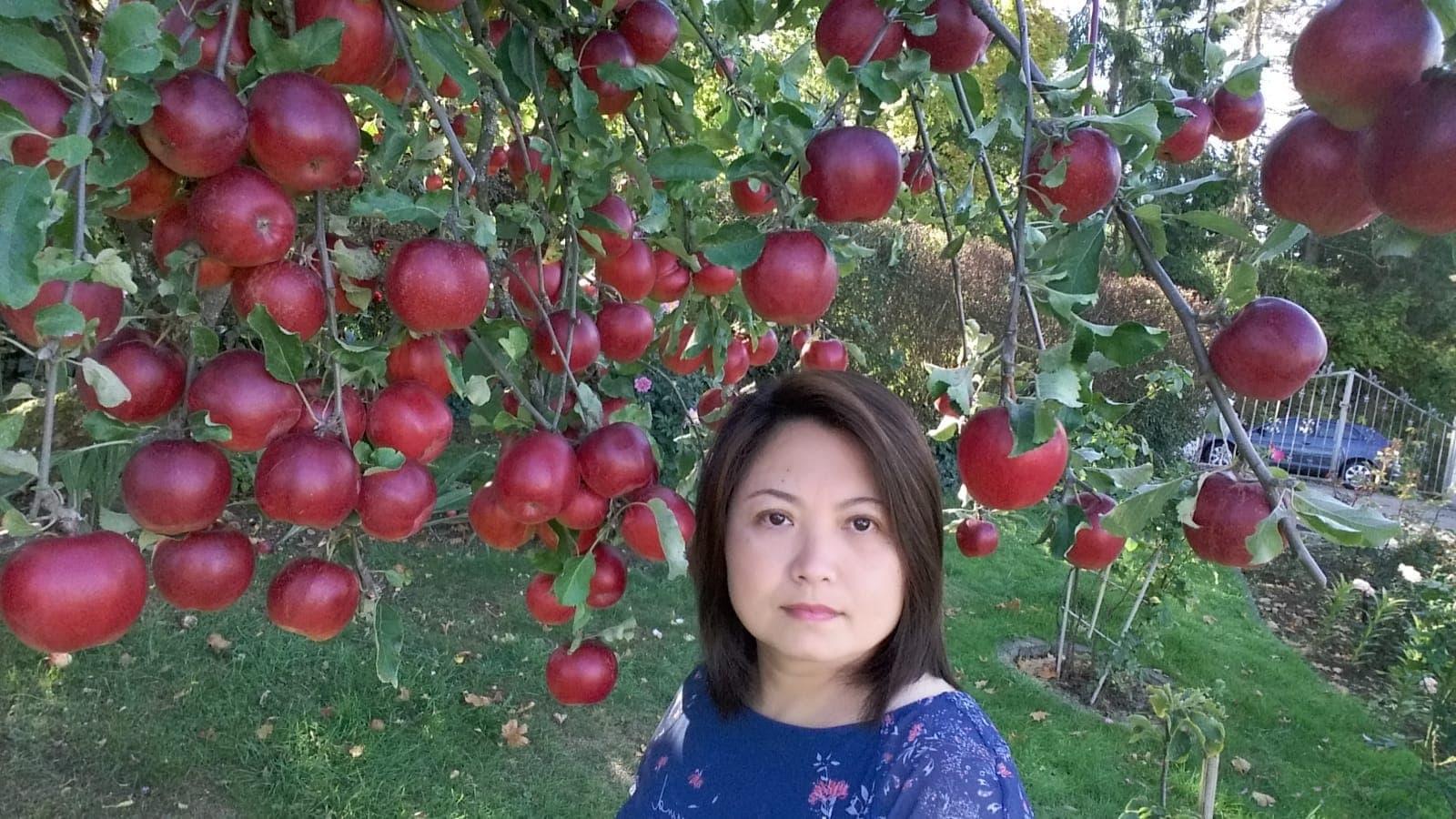 Khu vườn 1000m2 đầy hoa thơm trái ngọt của cặp vợ chồng người Việt ở Đức Ảnh 12