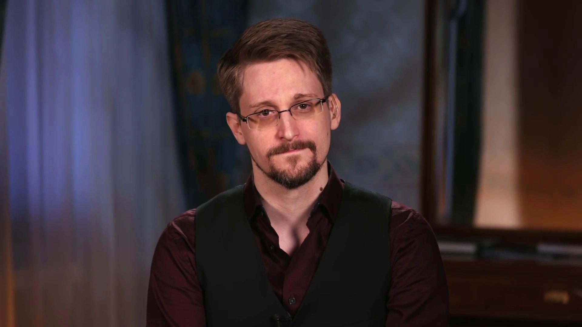 Bộ Tư pháp Mỹ kiện Edward Snowden Ảnh 1