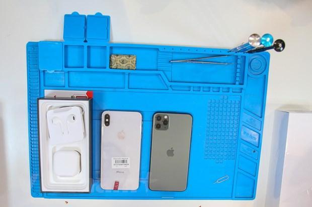 'Mổ xẻ' chiếc iPhone 11 Pro Max màu xanh rêu đầu tiên tại Hà Nội Ảnh 12