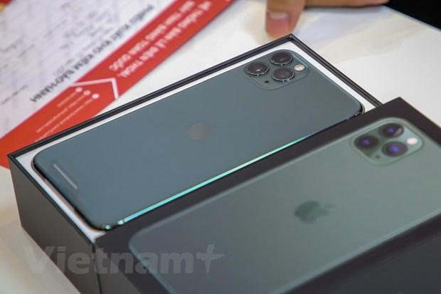 'Mổ xẻ' chiếc iPhone 11 Pro Max màu xanh rêu đầu tiên tại Hà Nội Ảnh 1