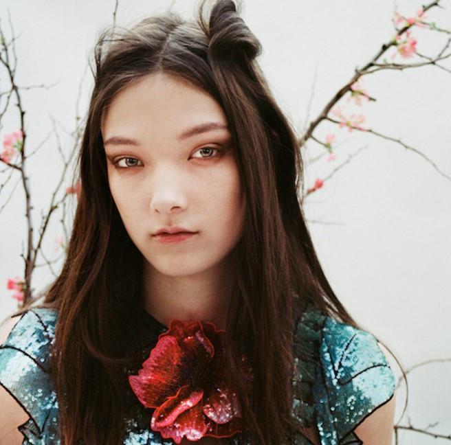 3 bông hồng lai thế hệ mới của làng thời trang Nhật Bản Ảnh 9