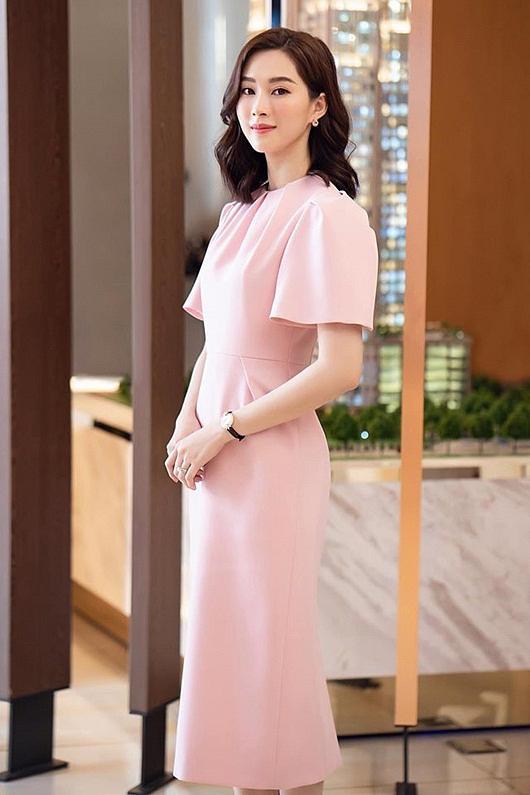 Top sao mặc đẹp nhất tuần qua: Minh Tú - Thanh Hằng đọ sắc trong những gam màu nóng bỏng Ảnh 5