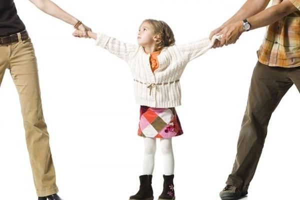 Vợ chồng ly hôn, vợ không có việc làm có được nuôi con không? Ảnh 1