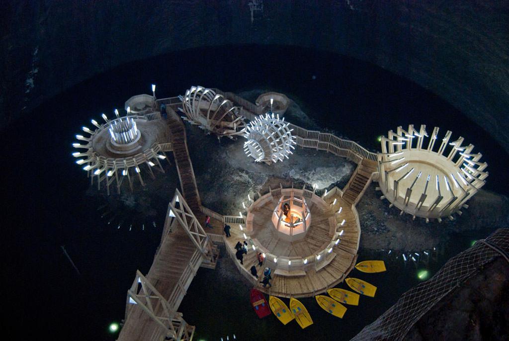 Những công trình lâu đời dưới lòng đất tựa quang cảnh ngoài hành tinh Ảnh 3
