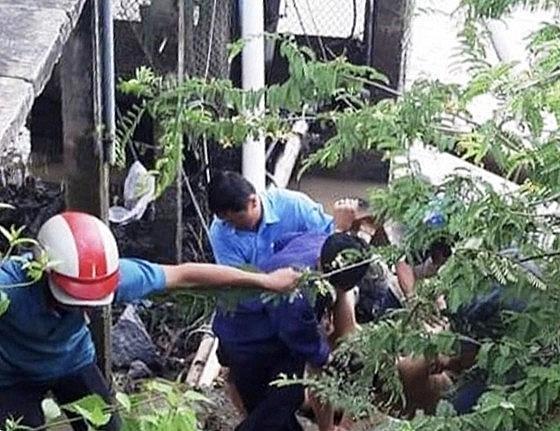 5 công nhân thương vong khi sửa máy bơm Ảnh 1