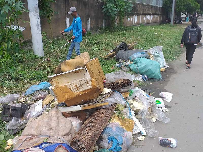 Người dân mong gắn camera, xử phạt người xả rác Ảnh 3