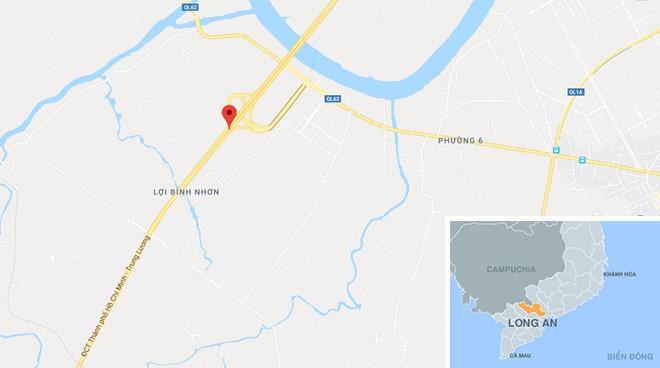 Lật xe trên cao tốc TP.HCM - Trung Lương, quốc lộ kẹt cứng Ảnh 2