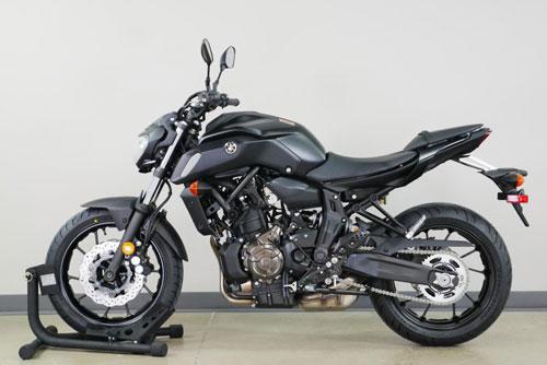Top 10 môtô đáng mua nhất trong tầm giá dưới 10.000 USD: Honda CB650R góp mặt Ảnh 7