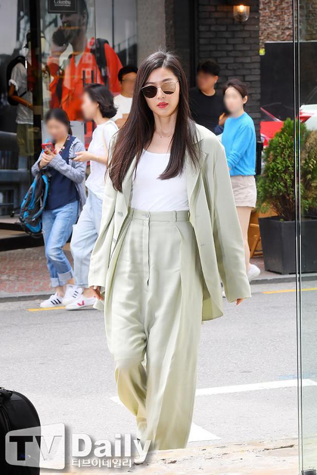 Diệu Nhi cùng dàn mỹ nhân Hàn gợi ý cách lên đồ mặc Blazer đúng chuẩn Thu/Đông Ảnh 7