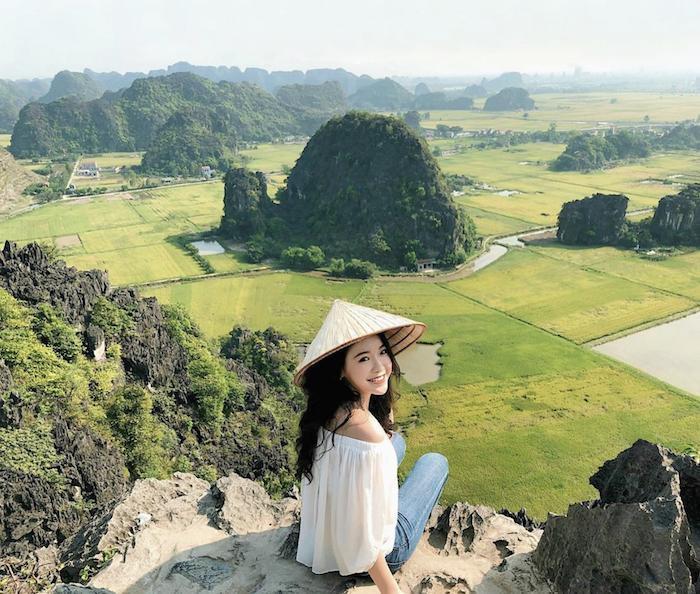 Sen nở rộ, lúa trải vàng ở 'thánh địa check-in' đẹp nhất Ninh Bình Ảnh 6