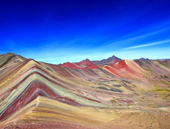 Chiêm ngưỡng ngọn núi 'Cầu vồng' có màu sắc sặc sỡ ở Peru Ảnh 18