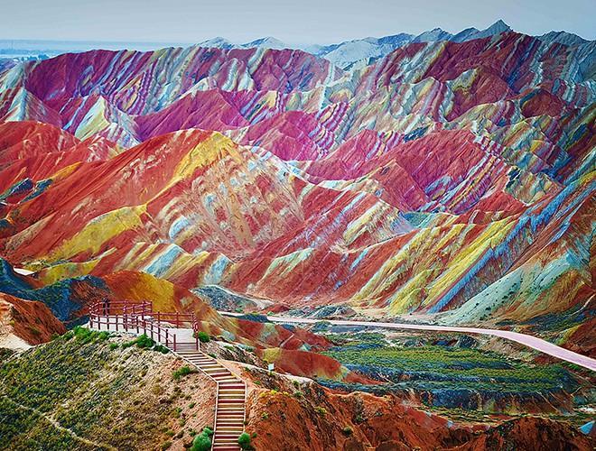 Chiêm ngưỡng ngọn núi 'Cầu vồng' có màu sắc sặc sỡ ở Peru Ảnh 8