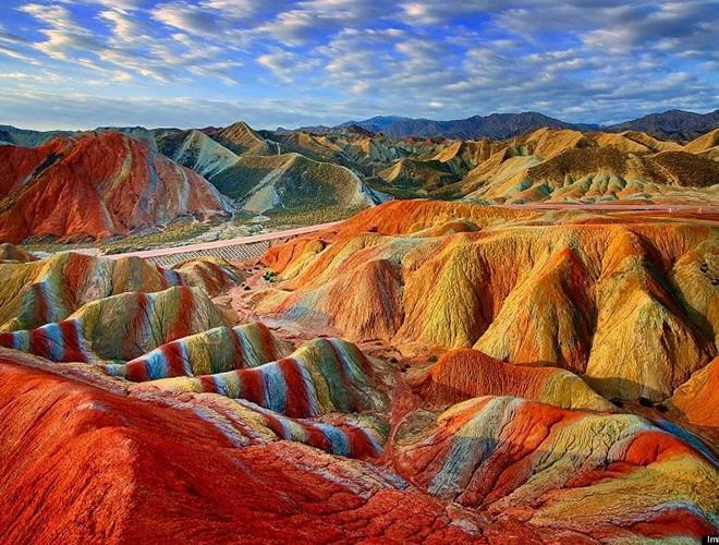 Chiêm ngưỡng ngọn núi 'Cầu vồng' có màu sắc sặc sỡ ở Peru Ảnh 14