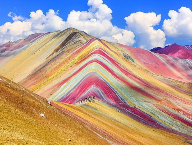 Chiêm ngưỡng ngọn núi 'Cầu vồng' có màu sắc sặc sỡ ở Peru Ảnh 6