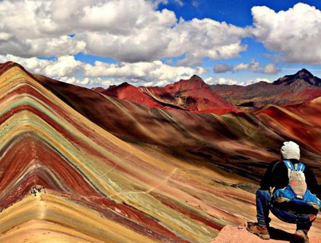 Chiêm ngưỡng ngọn núi 'Cầu vồng' có màu sắc sặc sỡ ở Peru Ảnh 11