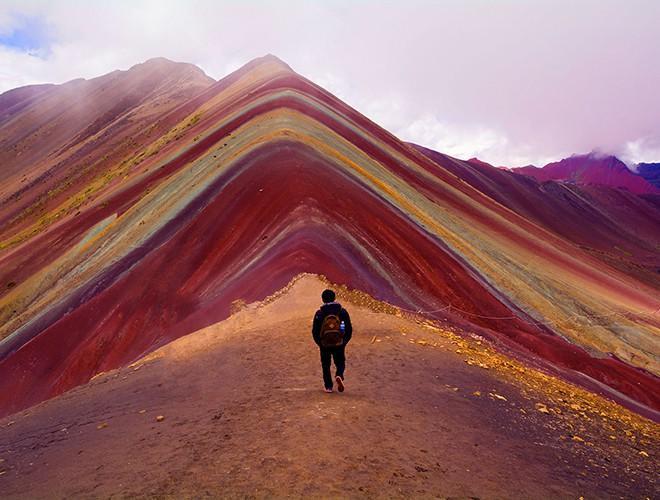 Chiêm ngưỡng ngọn núi 'Cầu vồng' có màu sắc sặc sỡ ở Peru Ảnh 20