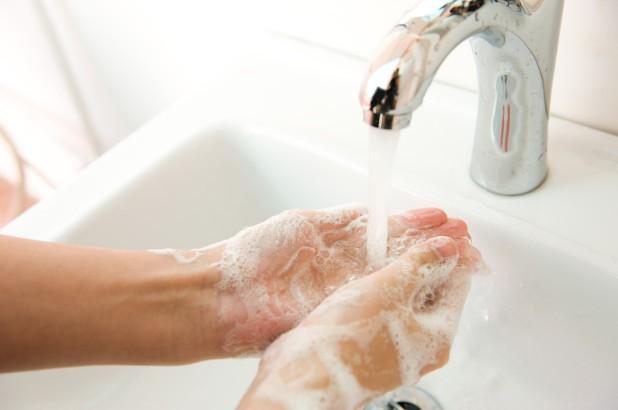 Không rửa tay sau khi đi vệ sinh có thể dẫn đến tử vong Ảnh 1