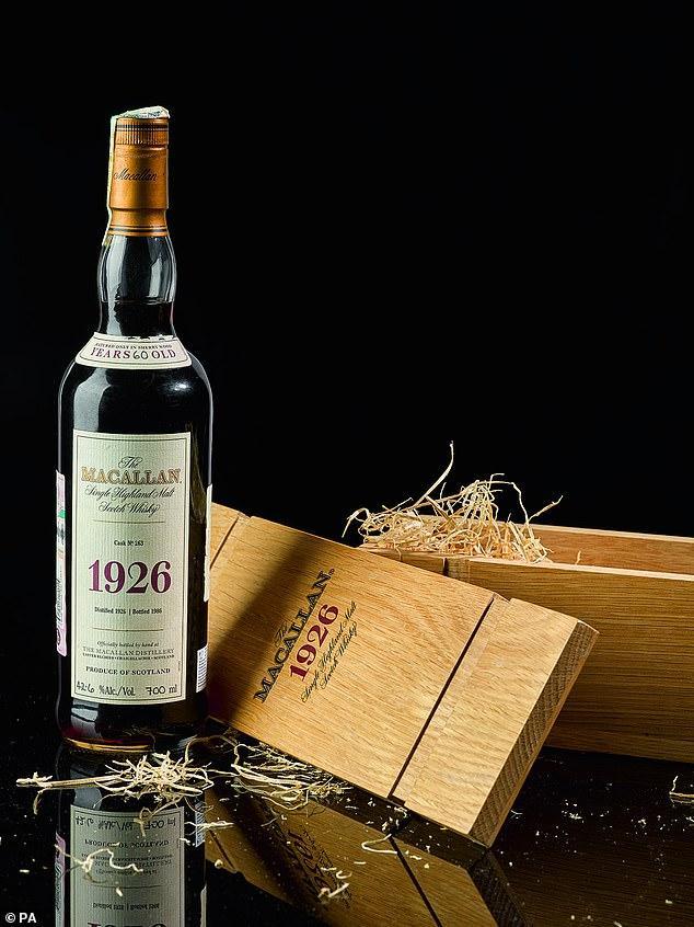 1,9 triệu USD cho chai whisky 'Chén Thánh' hiếm nhất thế giới Ảnh 1