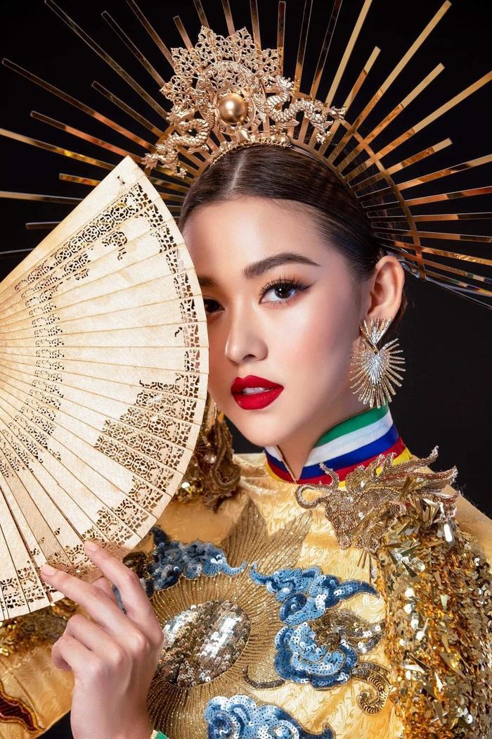 Tường San nhờ fan chọn National Costume: Rồng bay quyền lực hay phượng hoàng rực rỡ? Ảnh 6
