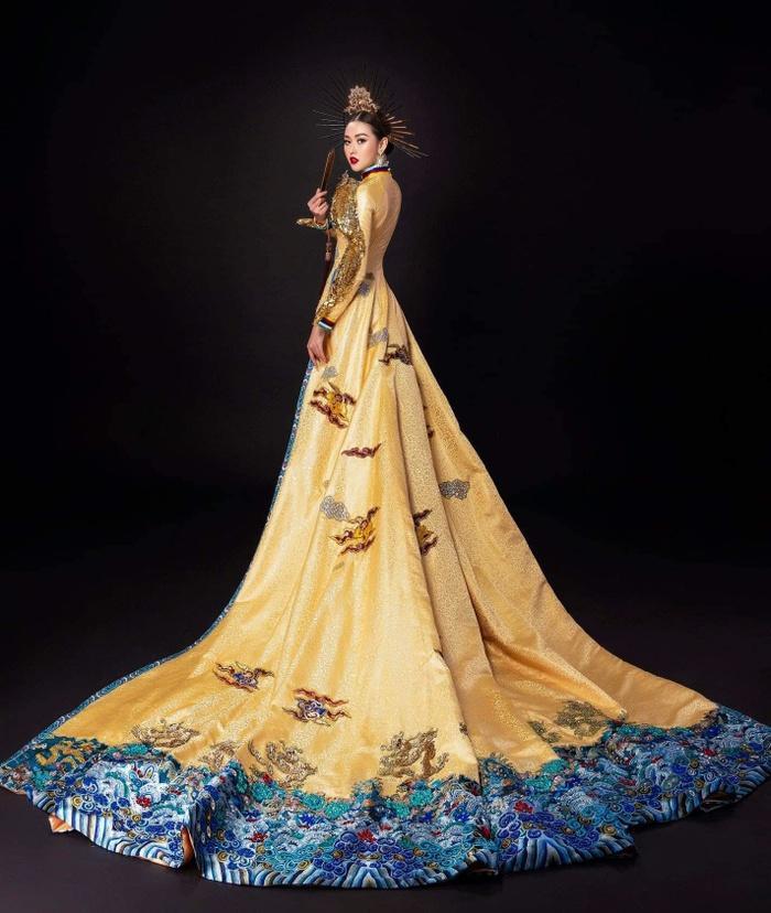 Tường San nhờ fan chọn National Costume: Rồng bay quyền lực hay phượng hoàng rực rỡ? Ảnh 3