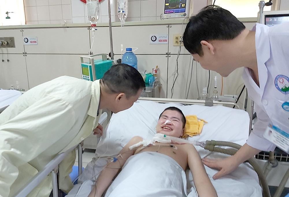 Cậu bé hồi phục kỳ diệu sau 2 năm hôn mê vì viêm não Nhật Bản Ảnh 1